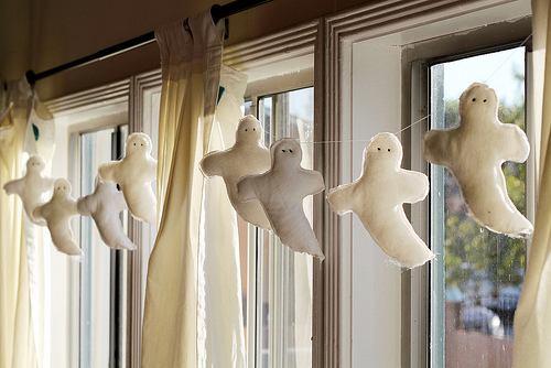 Craft: Ghost Garland