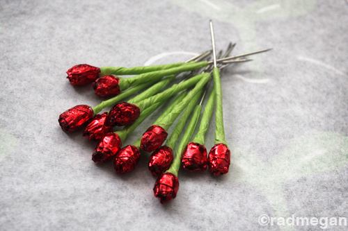The Dainty Dozen: Dressing Up Glass Head Pins