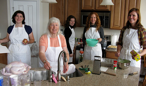 Photo Saturday: Thanksgiving Ladies in Aprons