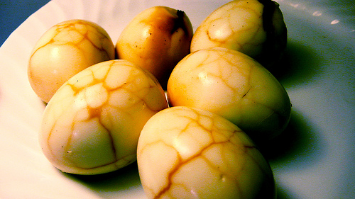Cooking at home: Chinese Tea Eggs