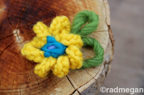 Easy Knit(ting Fork) Flowers