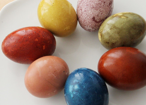 Natural Egg Dye: A Sneak Peek!