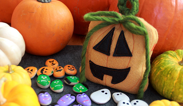 Spooky Tic-Tac-Toe Game and Pumpkin Pouch