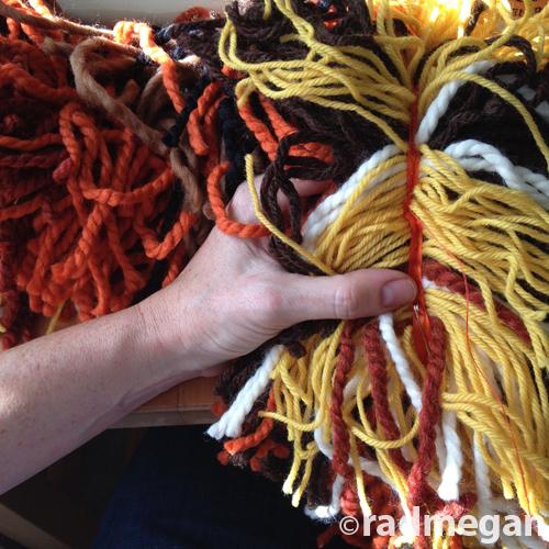 Diy lion headdress with yarn scraps and ribbon easy halloween costume handsew solutioingenieria Gallery