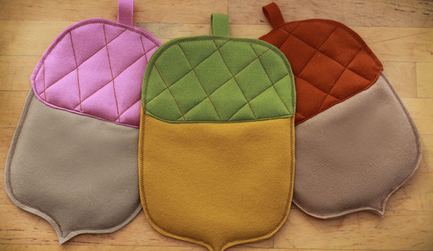 Easy-Sew Acorn Hot Pads for Thanksgiving