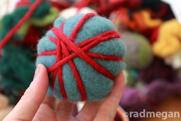 dryerballs-wrapredyarn-radmegan