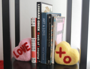 ConvoHeartBookEnds-donecropped600464-radmegan-CreativeLive