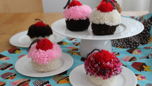 Pom Pom Cupcakes: The Sweet Tutorial
