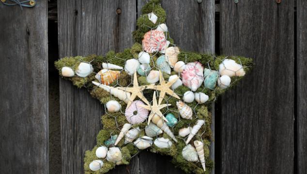 Drought-Friendly Garden Crafts: Chicken Wire Stars & Hearts
